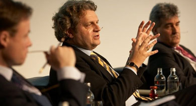 Prof. Daniel Diermeier led a panel discussion at the Kellogg Centennial conference in Zurich