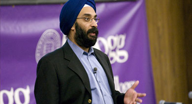 Faculty Co-Chair Mohanbir Sawhney