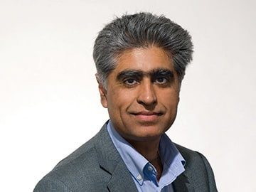 A portrait of Sunil Chopra.