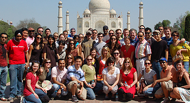 Kellogg students on a GIM trip to India